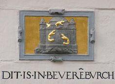 Gevelsteen Wijnstraat 127 te Dordrecht  Mijn eerste eigen stekkie Holland Netherlands, Arabesque, Stone Painting, Rotterdam, Prehistoric, Signage, Birth, Ornament, Antiques