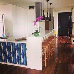 Casa Schor - bancada da cozinha #arquitetura #architecture #bancadas #ladrilhohidraulico #interiores #p23arq