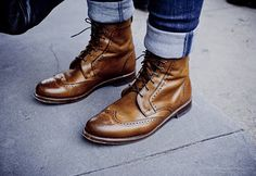 DALTON - WINGTIP LACE-UP OXFORD MEN'S DRESS BOOTS BY ALLEN EDMONDS - just never, ever worn with rolled jeans