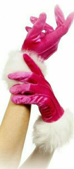 I want these pink gloves!