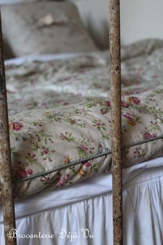 would so love a pillow for my bed ..my whole bed...just like this one!