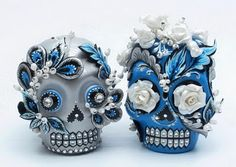 dia de los muertos cakes.... I want one for my bday cake :) !!!!!!