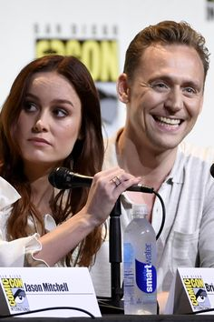 Brie Larson and Tom Hiddleston attends the presentation of Kong: Skull Island during Comic-Con International 2016 at San Diego Convention Center on July 23, 2016 in San Diego, California. Full size image: http://ww4.sinaimg.cn/large/6e14d388gw1f64nqzq2j0j22bc1mhu0y.jpg Source: Torrilla, Weibo