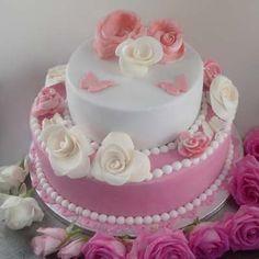 Wunderschöne Hochzeitstorte mit Rosen Dekoration... Und auch noch lecker!  www.eventgarden-catering.de Catering, Birthday Cake, Cakes, Desserts, Inspiration, Food, Wedding Cake Roses, Eten, Dekoration