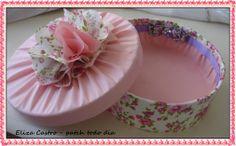 detalhe caixa redonda!! http://www.elo7.com.br/leleka17f10a