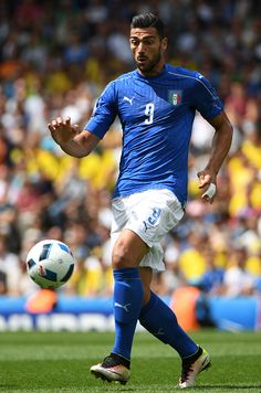 Italy's forward Pelle controls the ball during the Euro 2016 group E football match between Italy and Sweden at the Stadium Municipal in Toulouse on...
