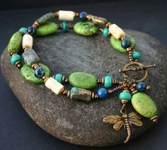 Green Dragonfly Bracelet Inches by InspiredTheory on Etsy - Bijouterie Wire Jewelry, Boho Jewelry, Beaded Jewelry, Jewelery, Jewelry Bracelets, Beaded Necklace, Jewelry Design, Jewelry Ideas, Dragonfly Jewelry