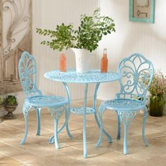 garden furniture We love this Blue Fleur-de-lis Bistro Set! The cast iron makes it safe for outdoor use. Enjoy breakfast or a simple cup of coffee on this beautiful furniture set! Cast Iron Garden Furniture, Patio Furniture Redo, Used Outdoor Furniture, Fire Pit Furniture, Outdoor Rooms, Outdoor Decor, Furniture Ideas, Furniture Design, Antique Furniture