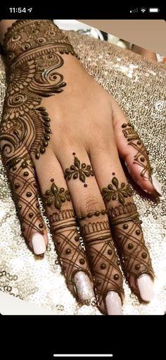 Henna Hand Designs, Mehndi Designs Finger, Pretty Henna Designs, Modern Henna Designs, Latest Henna Designs, Simple Arabic Mehndi Designs, Mehndi Designs For Beginners, Henna Tattoo Designs, Simple Henna