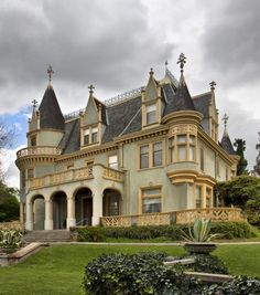 French chateau style home victorian architecture, beautiful architecture, b Victorian Architecture, Beautiful Architecture, Beautiful Buildings, Beautiful Homes, Classical Architecture, Victorian Style Homes, Victorian Interiors, Old Mansions, Second Empire