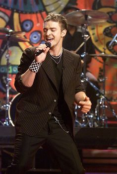 57 Literally Perfect Photos of Justin Timberlake Through the Years  - Cosmopolitan.com Like I Love You, Girls In Love, 2000s Party, Hit Songs, Justin Timberlake, Suit And Tie, Perfect Photo, Music Artists