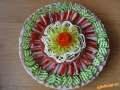 Obložené misy...kreácie mojej dcéry.... | Mimibazar.sk Party Trays, Party Platters, Deco Fruit, Appetizer Recipes, Appetizers, Amazing Food Art, Cold Cuts, Food Garnishes, Edible Food