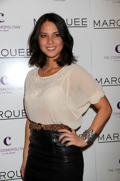 Olivia Munns sexy, shoulder-length hairstyle