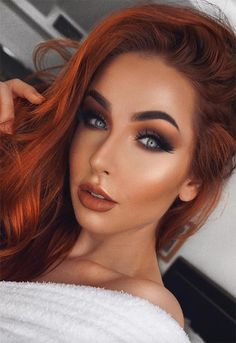 63 Hot Red Hair Color Shades to Dye for: Red Hair Dye Tips & Ideas - Trend Dark Hair Makeup 2019 Hair Color Red Highlights, Hair Color Dark, Cool Hair Color, Dark Hair, Red Color, Hair Colors, Dyed Tips, Hair Dye Tips, Hairstyle App