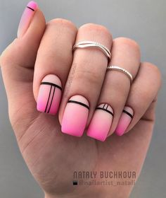 Amazing Matte Acrylic Nails When You Are Tired of the Glossy Ones - Horizontal Stripes Nägel Gel funkeln Matte Acrylic Nails, Square Acrylic Nails, Oval Nails, Square Nails, Acrylic Nail Designs, Nail Art Designs, Pink Manicure, Pink Nails, Hair And Nails