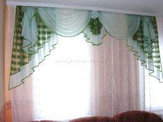 Edler Vorhang in klassischem Design in den Farben grün und weiß - http://www.gardinen-deko.de/edler-vorhang-klassischem-design-den-farben-gruen-und-weiss/