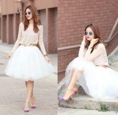 Bí quyết kết hợp váy Tulle với những trang phục duyên dáng Hiện nay thì phong cách thời trang độc đáo với những chiếc váy tulle duyên dáng và xinh xắn được các bạn đam mê thời trang vô cùng ưa thích , và với những cách phối đồ sau đây sẽ làm cho các bạn gái càng trở nên trẻ trung và xinh đẹp hơn. http://giainhan.info/threads/bi-quyet-ket-hop-vay-tulle-voi-nhung-trang-phuc-duyen-dang.610/