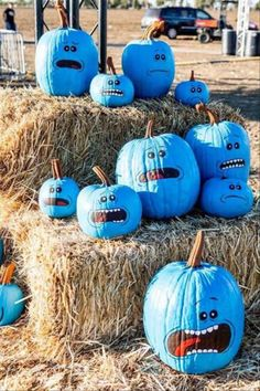Rick And Morty Mr Meeseeks Costume - Rick and Morty - Lenora Halloween Tags, Halloween This Year, Halloween Pumpkins, Fall Halloween, Halloween Crafts, Halloween Party, Halloween Decorations, Funny Pumpkins, Halloween Scene