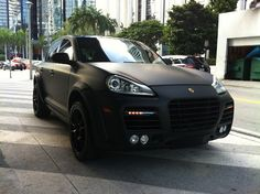 Matte Black Porsche Cayenne Turbo, looking pretty nice in all matte black! Matte Black Porsche Cayenne Turbo, looking pretty nice in all matte black! Porsche Carrera Gt, Porsche Panamera, Porsche Autos, Porche Cayenne, Porsche Cayenne Turbo, Porsche Girl, Black Porsche, Matte Black Cars, Black Rims