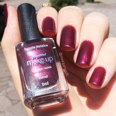 Velvet da @panvelfarmacias | Red nails | Unhas vermelhas perolada |  Nail Polish | by @morganapzk