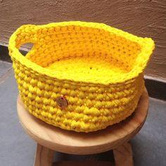 Crochê    Cesto amarelo   com alças