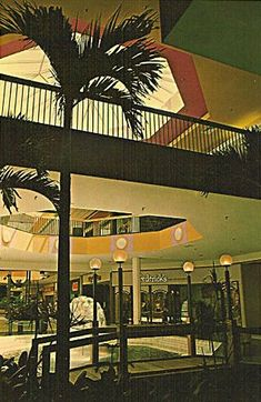 Malls of America - Vintage photos of lost Shopping Malls of the '50s, '60s & '70s
