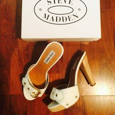 SIZE 6 Steve Madden white 4 inch heel sandals LIKE NEW...only worn twice-& only way you can tell is by the bottom of the shoe!!! White leather upper size 6 STEVE MADDEN slip-on white sandal with 4 inch heel.... Steve Madden Shoes Sandals