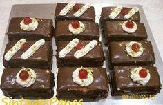 Πάστες σοκολατίνες Greek Sweets, Greek Desserts, Fiesta Party, Nutella, Sweet Recipes, Food To Make, Muffin, Food And Drink, Cooking Recipes
