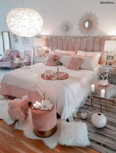 47 very beautiful and comfortable bedroom decor ideas 40 Dream Bedrooms Beautifu. - 47 very beautiful and comfortable bedroom decor ideas 40 Dream Bedrooms Beautiful Bedroom Comfortab - Teen Bedroom Designs, Bedroom Decor For Teen Girls, Cute Bedroom Ideas, Room Ideas Bedroom, Teen Room Decor, Dream Bedroom, Master Bedroom, Bedroom Setup, Cosy Bedroom