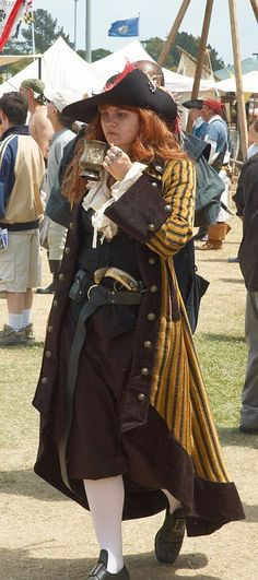 Lady Pirate dressing as a man and doing it well. Pirate Garb, Female Pirate Costume, Lady Pirate, Pirate Wench, Pirate Woman, Pirate Life, Pirate Costumes, Cool Costumes, Costume Ideas