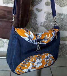 Sac à dos transformable Limbo en jean et tissu orange à fleurs cousu par Marjolaine - Patron Sacôtin