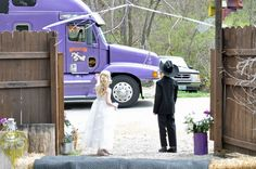 Highlights Studios: Adorable moments captured as guests arrive to a Truckers Wedding. Photography by highlightsstudioskc.com