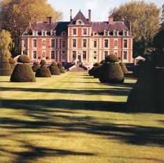 chateau de wideville, valentino's home near paris