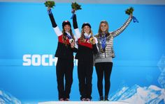 (L-R) Silver medalist Chloe Dufour-Lapointe of Canada, gold medalist Justine Dufour-Lapointe of Canada and bronze medalist Hannah Kearney of the United States pose on the podium during the medal ceremony for the Ladies' Moguls Final 3 Patrick Chan, Winter Olympics 2014, Run And Ride, Usa Baby, Olympic Athletes, Winter Games, Team Usa