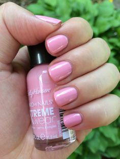Confessions of a (Drugstore) Stalker: NEW Sally Hansen Xtreme Wear Limited Edition Electric Summer Pastel Shades and Swatches! (Peach Babe)