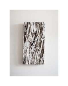 Model no 23. Aged wood is a beautiful way to add character to your home or garden. Developped naturally. Pine wood. Size: 29 cm x 15 cm.