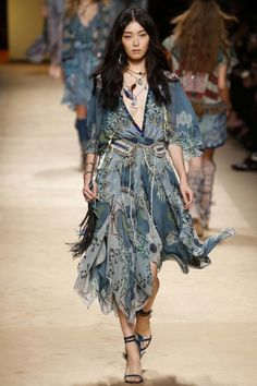 Etro ready-to-wear spring/summer '15 gallery - Vogue Australia