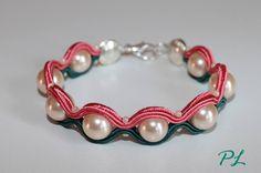 Bracciale bicolore rosa e verde #perle #soutache