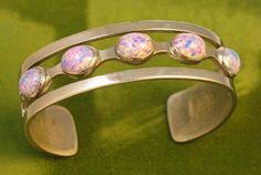 Taxco Mexico Sterling Confetti Opal Glass Cuff Bracelet #vintagesilverbracelet #glassopalbracelet #Taxcojewelry