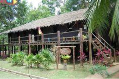 Rumah panjang (Long house), Dayak Iban traditional house, Sarawak, Malaysia