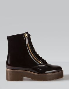 Ankle boots with fashion sole