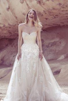 Mira este vestido que he encontrado en la aplicación de vestidos de Bodas.mx: