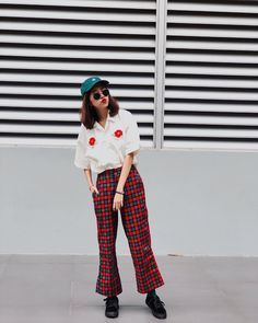 Colors never die (@vanmalllinee) · Instagram 照片和视频 Korean Fashion, Women's Fashion, Fashion Outfits, Ulzzang Girl, Harem Pants, Asia, Dress Up, Street Style, Lifestyle