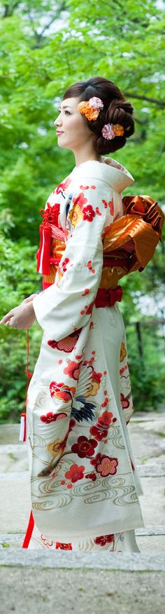 Kimono Traditional Japanese Kimono, Traditional Fashion, Traditional Dresses, Yukata Kimono, Kimono Dress, Costumes Japan, Wedding Kimono, Japanese Costume, Japanese Outfits