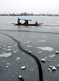 Dal Lake, Jammu and Kashmir: