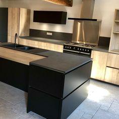 Kitchen Island, Kitchen Cabinets, Design Moderne, House, Dom, Home Decor, Instagram, Houses, Kitchen Modern