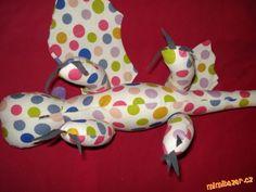 DRAK BEZZUBKA střih návod | Mimibazar.cz Backrest Pillow, Dinosaur Stuffed Animal, Pillows, Toys, Animals, Bed Pillows, Animais, Animales, Animaux