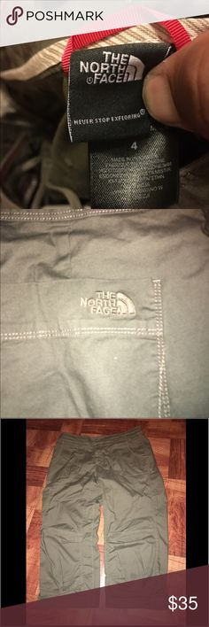 EUC North Face Women's Size 4 Military Green EUC North Face Women's Size 4 Military Green. In good Condition North Face Pants