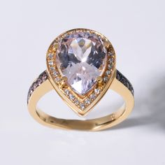 Gelbgoldring mit Kunzit und Brillanten #kunzit #gold #diamonds #unique #shopping #djassemi