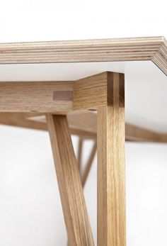 The DT1-Table by Alexander Smith